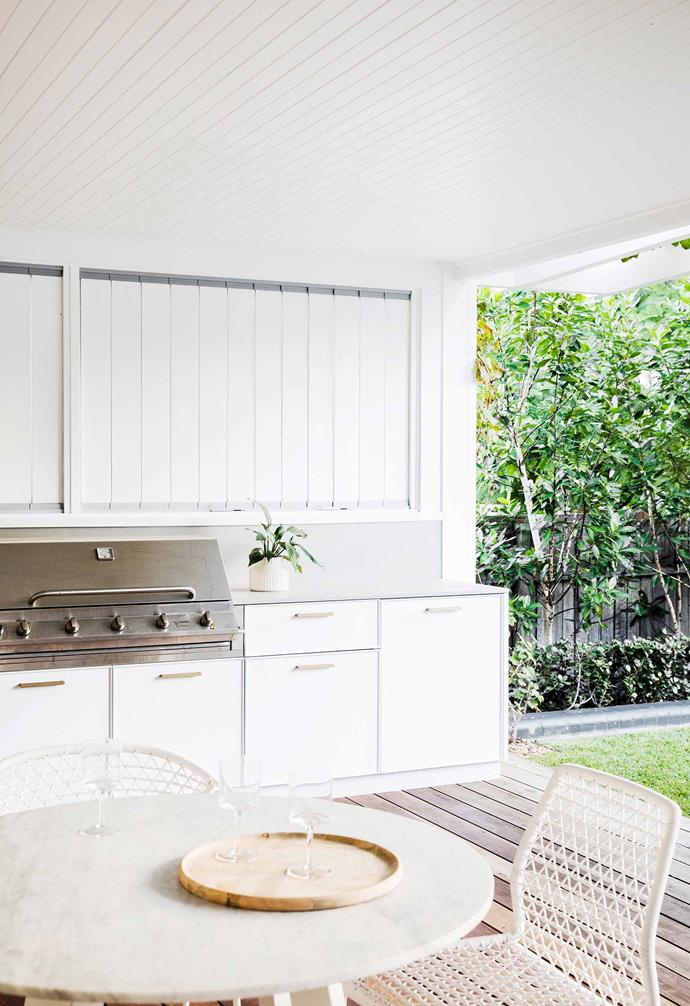 "**Outdoor kitchen** Marine ply cabinetry with a Caesarstone top was custom-designed by [Vitale Design](http://vitaledesign.com.au/|target=""_blank""