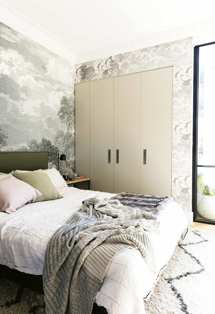 "**Wallpaper wonder** In [stylist Jono Fleming's apartment](https://www.homestolove.com.au/design-ideas-to-steal-from-a-stylists-own-home-16899|target=""_blank"") a dreamy mural from [Anthropologie](https://fave.co/2v57UhJ