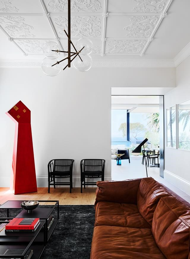 """Taking the beautiful bones of this [century-old property](https://www.homestolove.com.au/contemporary-coastal-home-sydney-19566