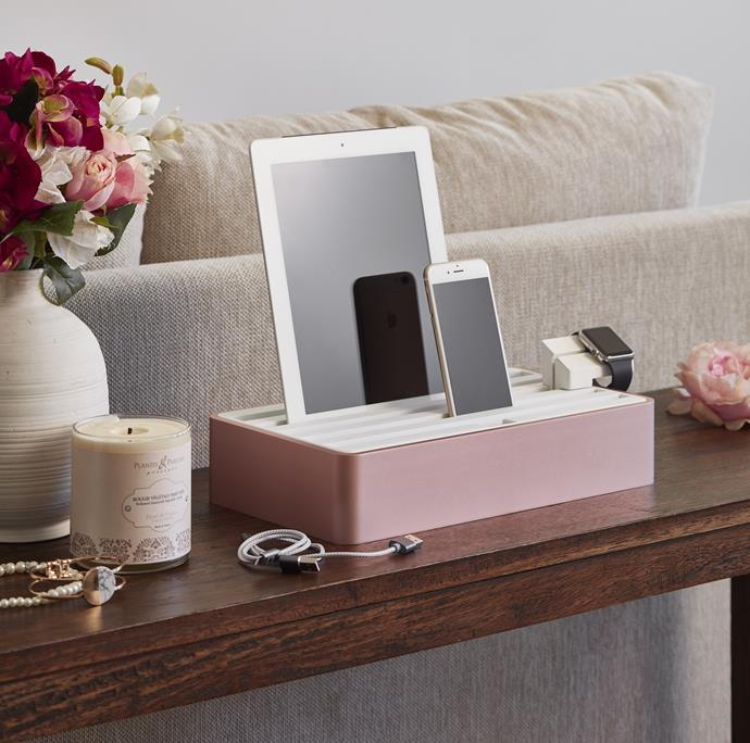 "For the tech-savvy mum, this handy and stylish **Large Rose Gold & White Aluminium USB Hub by ALLDOCK** will ensure all devices are charged and ready-to-go. Available at [Temple & Webster](https://www.templeandwebster.com.au/Large-Rose-Gold-and-White-Aluminium-All-Dock-4260368081455-ALCK1101.html|target=""_blank""