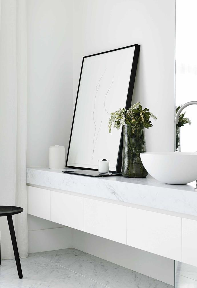 "**Liveable luxury** <br><br>Perfectly pared back and minimal in its sensibility, the bathroom of [Conrad Architects'](https://www.conradarchitects.com/|target=""_blank""