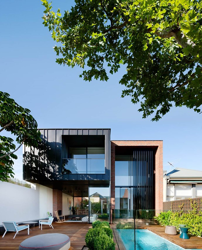 """The [ultra-modern addition](https://www.homestolove.com.au/ultra-modern-addition-to-a-heritage-house-2551 target=""""_blank"""") at the rear of this house belies its 19th-century facade. Designed by architect and interior designer Matt Gibson. *Photograph*: Shannon McGrath. From *Belle* November 2015."""