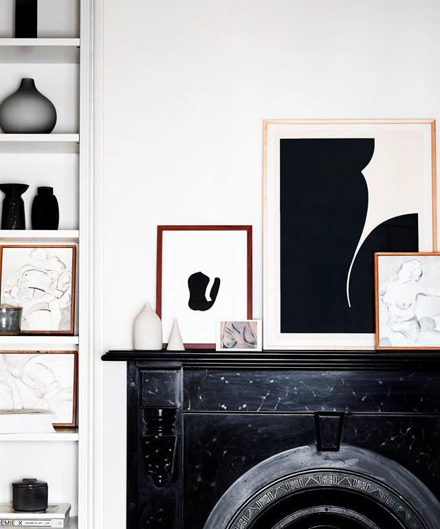 "Australian [artist Caroline Walls](https://www.homestolove.com.au/caroline-walls-artist-20233|target=""_blank"") has filled her Melbourne home with her own works and that of other artists she admires. Most of the works explore the female form in neutral, monochrome tones, creating a cohesive look."
