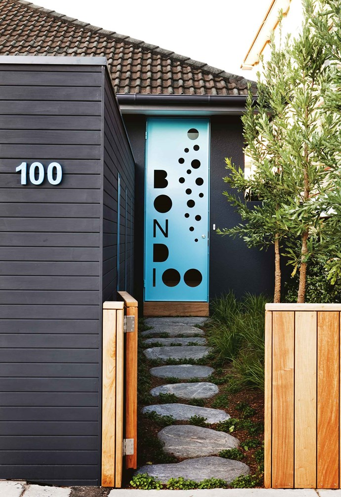 """If you live near the sea, choose plants that will survive salty winds. Aussie natives, such as banksia and lomandra are great choices. The trio of banksia trees in this front garden are designed to provide privacy between homes. *Design: [William Dangar + Associates](https://dangarbarinsmith.com.au/