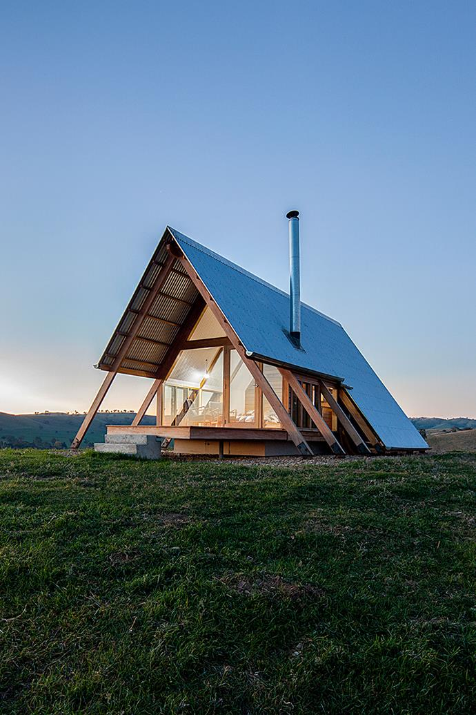 "JR's Hut, which is solar powered and off-the-grid, is the brainchild of designer Anthony Hunt and Luke Stanley Architects. *Photo: [Kimo Estate](http://www.kimoestate.com/|target=""_blank""