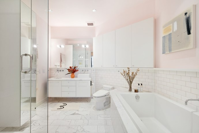 """Marble tiles and Millennial pink are a match made in heaven in the ensuite. *Photo:* [DDreps](http://ddreps.com/ target=""""_blank"""" rel=""""nofollow"""")"""