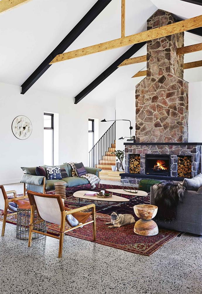 """>> [Step inside this cosy country farmhouse with modern interiors](https://www.homestolove.com.au/step-inside-this-cosy-country-farmhouse-with-modern-interiors-17468