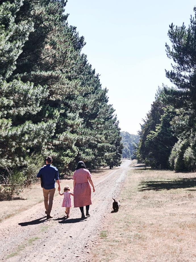 The family walking down Leishmans Lane to their roadside stall.