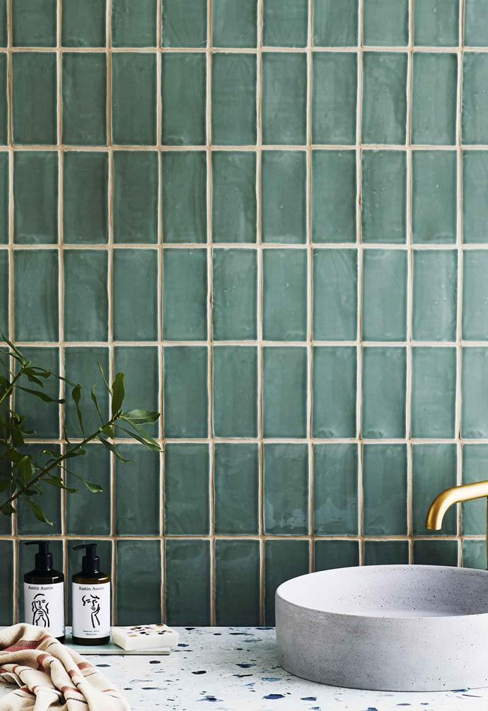"**Get the look** Wall in Avalon gloss ceramic subway tile in Jade Green, [Tile Cloud](https://tilecloud.com.au/|target=""_blank""