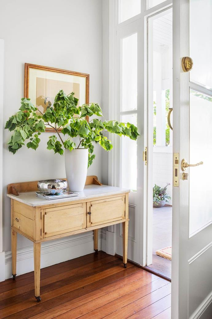 """A clever renovation transformed this dilapidated Perth house into a warm and inviting [family home](https://www.homestolove.com.au/gallery-rundown-perth-property-gains-a-new-life-1874