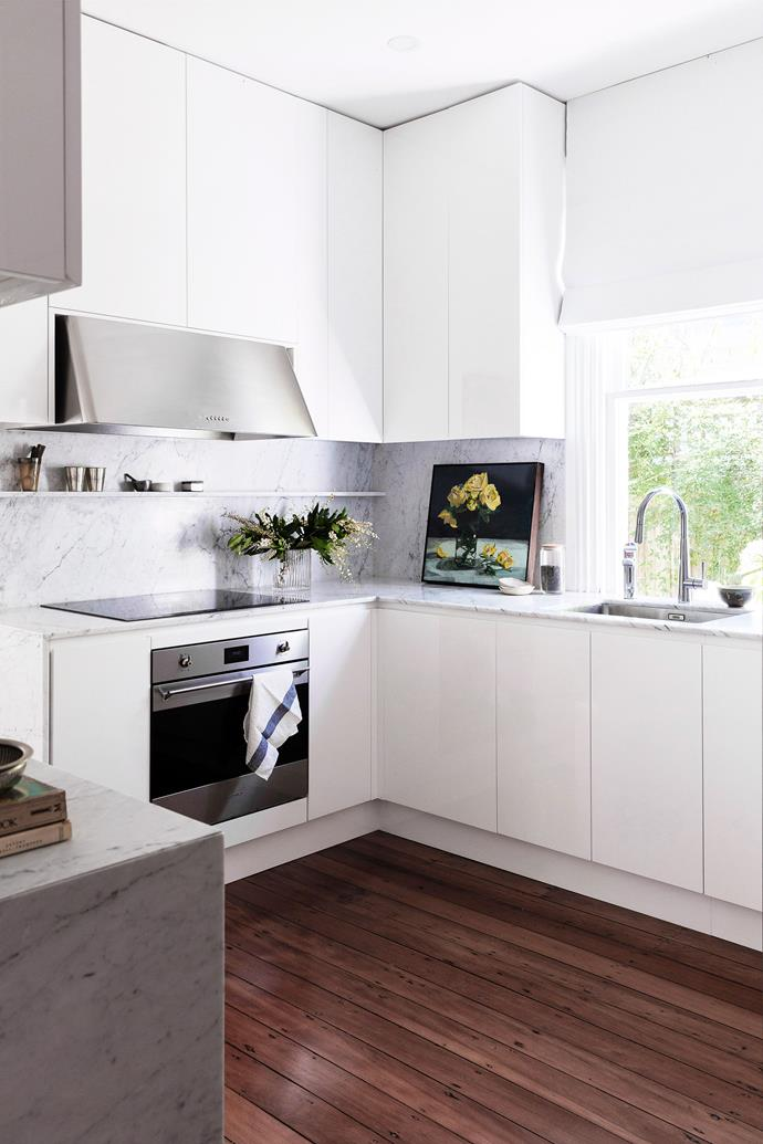 Using a range hood exhaust fan while cooking will prevent moisture and mould building up in your kitchen.