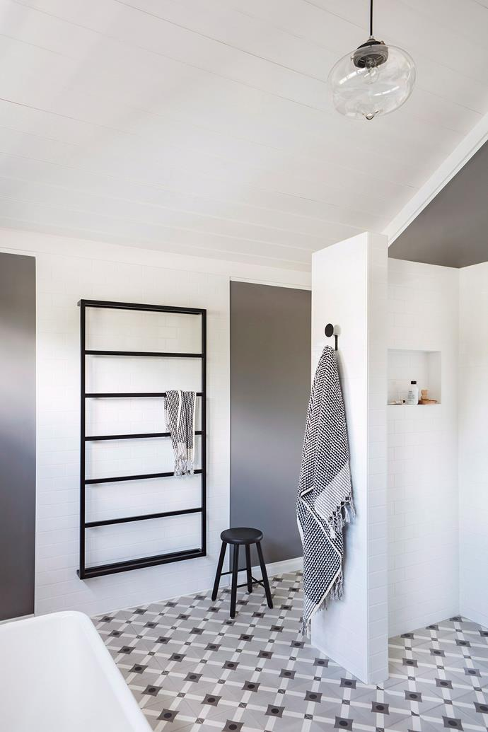 """**Rid your bathroom of mould, naturally** <br></br> Mould making your fairly new bathroom look worse for wear? Mix up DIY, [all-natural mould busting solution](https://www.homestolove.com.au/how-to-remove-mould-and-mildew-10322 