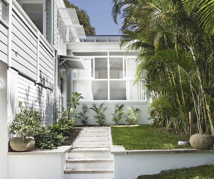 beach-home-front-garden-jun15