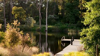 A Mornington Peninsula garden with a picture perfect lake
