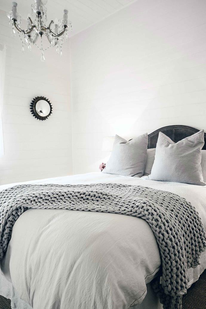 "Luxe linen from [I Love Linen](https://www.ilovelinen.com.au/|target=""_blank""|rel=""nofollow"") adorns every bedroom."
