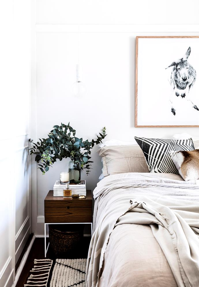 "**Add some life:** Adding a vase of fresh flowers, ferns or succulents on the bedside table or on top of your dresser will breathe fresh life into your bedroom. Indoor [plants will also help to purify the air](https://www.homestolove.com.au/the-10-best-air-purifying-plants-4501|target=""_blank"")."