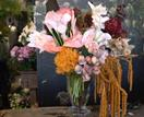 How to make a modern floral arrangement with Saskia Havekes