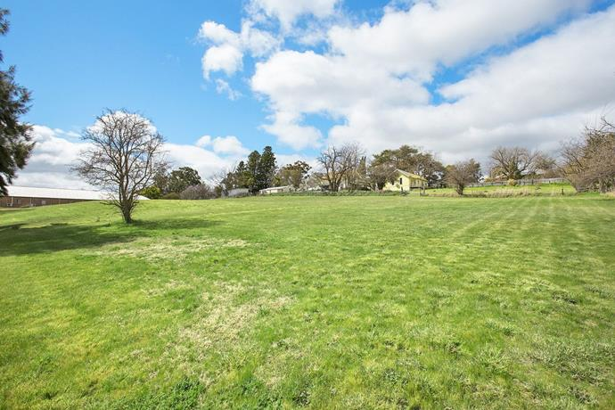 The Old Linton is set on a 2-hectare property which has huge potential for further commercial or residential development.