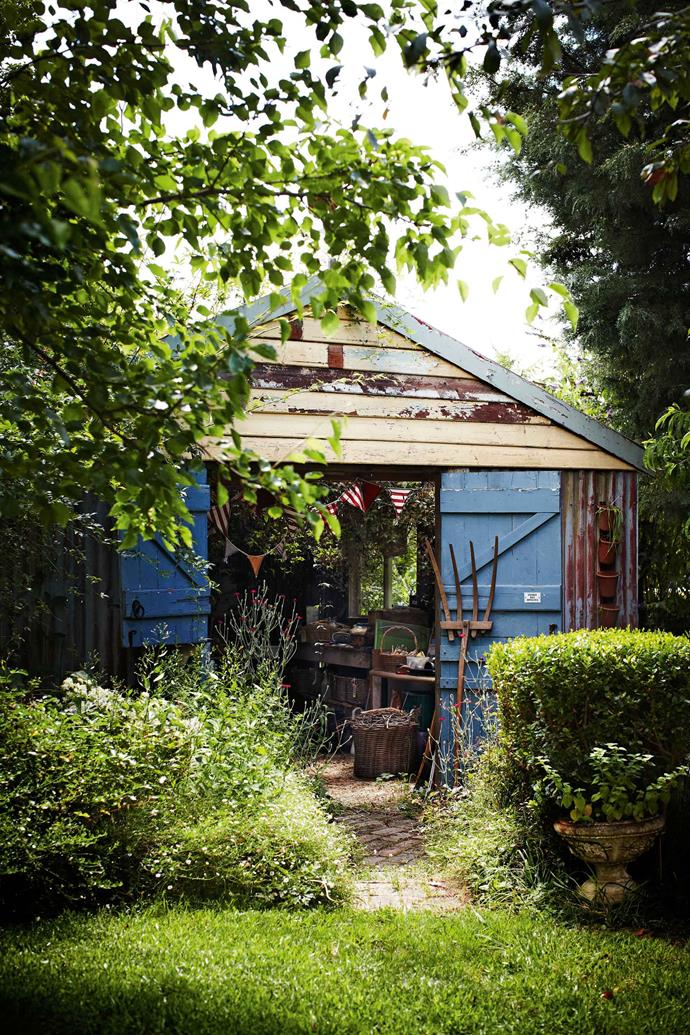 "Even the potting shed has been given a pop of French blue. Rydal is named after William Wordsworth's home in the Lake District, Rydal Mount, hence the celebration of his most famous poem, The Daffodils. The landscape also lured Australian [artist John Olsen](https://www.homestolove.com.au/daffodil-garden-rydal-13765|target=""_blank"") to its rolling hills. Spring at Rydal is one of his best known works."