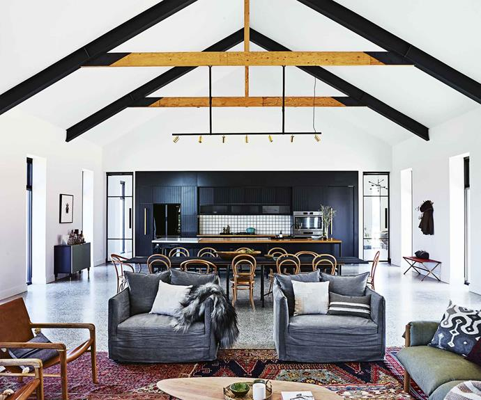 vaulted-ceiling-open-plan-living