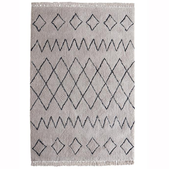 "230 x 160cm Middleton Fringed polyester [rug](https://www.bunnings.com.au/230-x-160cm-middleton-fringed-polyester-rug_p0102029|target=""_blank""|rel=""nofollow""), $149."