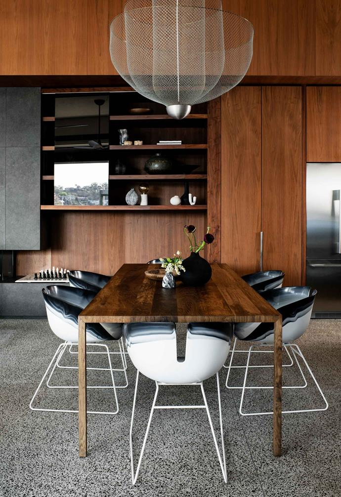 "**Dining area** A Moooi 'Meshmatics' chandelier hangs over an MDF Italia 'Tense' table and Moroso 'Fjord' chairs, all from [Hub](http://www.hubfurniture.com.au/|target=""_blank""