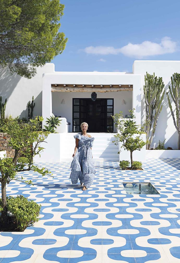 "**Courtyard** Owner Deborah Brett studied fashion and textiles at uni so was well-placed to take on the project. The oversized antique wooden doors were restored and sky-blue and white Granito tiles from [Mosaic Factory](https://mosaicfactory.com/|target=""_blank""