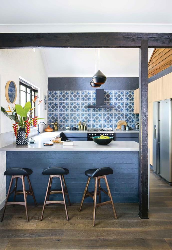 """""""It was a big decision, but I knew there was an amazing Steiner school in Byron Bay, plus John had health issues and couldn't continue film work,"""" says Rosetta. """"The stars were aligning to make this move happen, and it did!""""<br><br>**Kitchen** Durable cabinetry in [Laminex](https://www.laminex.com.au/