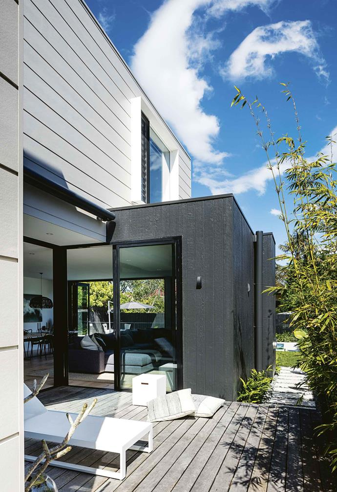 "The couple already had two previous renovations under their belts, and were well aware of the planning and commitment that goes along with a new build. However, they had never experienced a [prefabricated design](https://www.homestolove.com.au/sustainable-kit-homes-everything-you-need-to-know-15585|target=""_blank"") before.<br><br>**Backyard** Out the back, horizontal [Scyon](https://www.scyon.com.au/