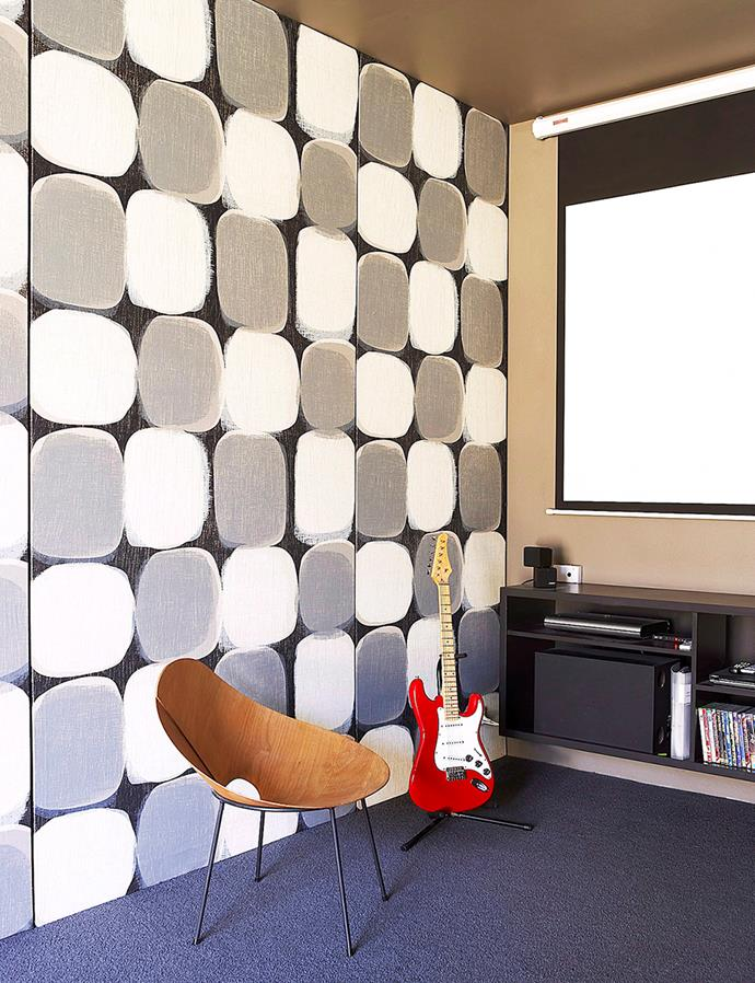 """The internal walls of this media room are filled with [Bradford SoundScreen](https://www.bradfordinsulation.com.au/home-insulation/walls/soundscreen