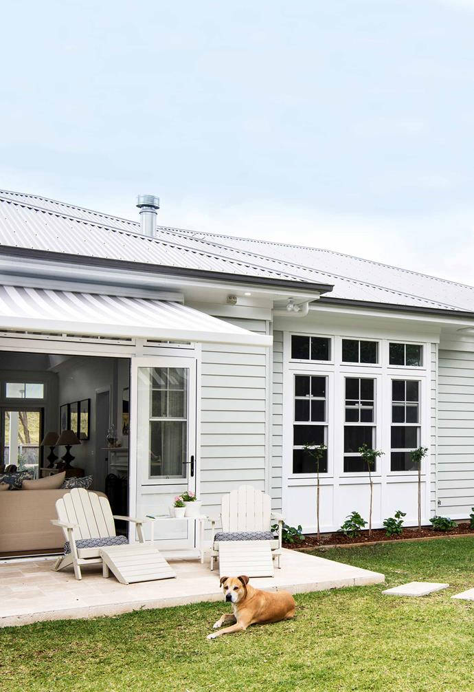 The horizontal joints of Scyon 'Linea' cladding, painted Dulux Spanish Olive, give this house a Hamptons-holiday feel.