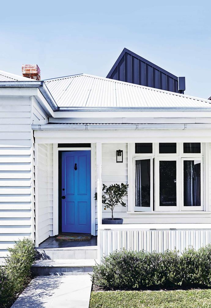 "This [weatherboard cottage](https://www.homestolove.com.au/weatherboard-cottage-sandringham-20502|target=""_blank"") by Technē Architecture + Design maintained the original weatherboard cladding but used the sides of a shipping container for the new rear extension."