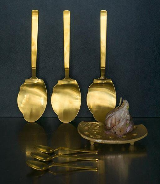 "Entertaining is just a little more fun when you're serving up something tasty with these babies. Brass **salad servers**, $90, from [The Design Hunter](http://www.thedesignhuntershop.com/?utm_campaign=supplier/|target=""_blank"")."