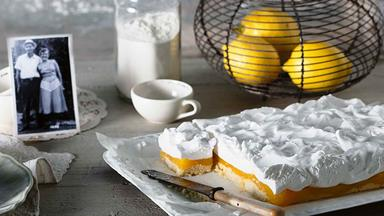 The most delicious lemon marshmallow slice recipe