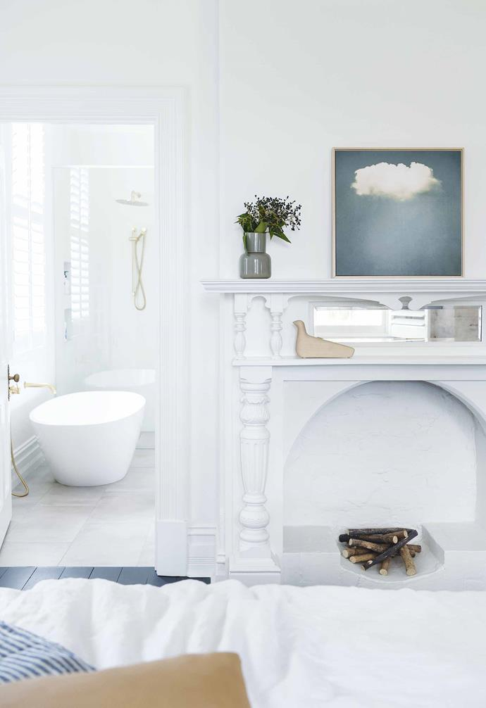 "**Ensuite** A freestanding [Victoria & Albert](https://vandabaths.com/aus/australasia/|target=""_blank""