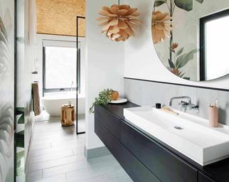 Bathroom with freestanding vanity