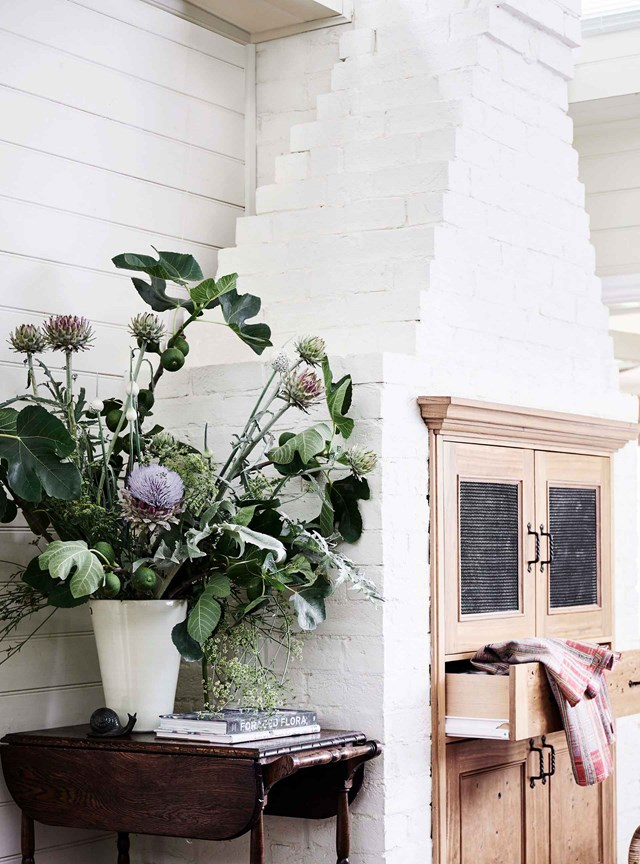 """It was really sad to knock the old kitchen down,"" says the owner of this restored farmhouse with [pressed metal detailing](https://www.homestolove.com.au/pressed-metal-20545