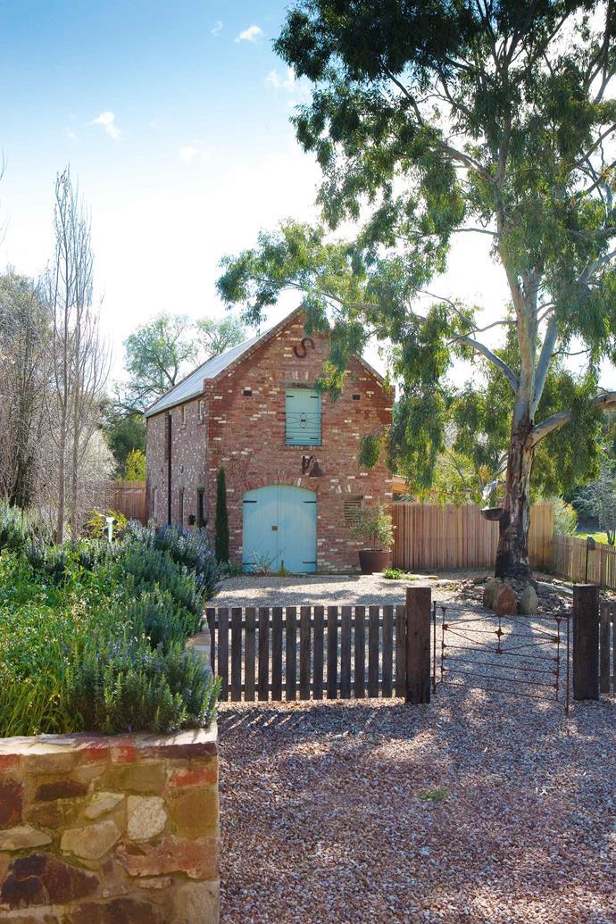 """Regular trips to Europe inspired couple Daniel and Glenny to construct their own [brick barn on the outskirts of Castlemaine](https://www.homestolove.com.au/brick-shed-home-design-9757