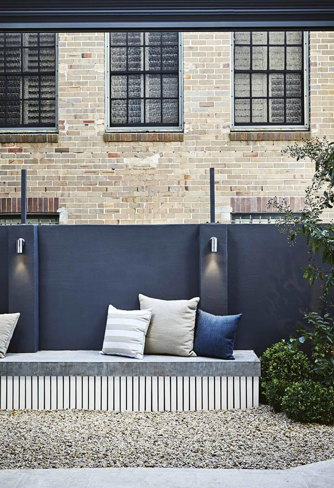 """The workhorse plants are *Syzygium australe* 'Select Form' lilly pillys in an advanced size, yielding instant privacy. Creating a [verdant privacy screen](https://www.homestolove.com.au/how-to-create-privacy-with-screening-plants-6489