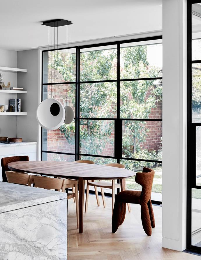 "A harmonious fusion of Japanese, contemporary and Victorian influences instils a sense of effortless calm within this [chic home](https://www.homestolove.com.au/updated-victorian-home-with-japanese-influences-20551|target=""_blank"") conceived by Mim Design. From Belle August/September 2019."