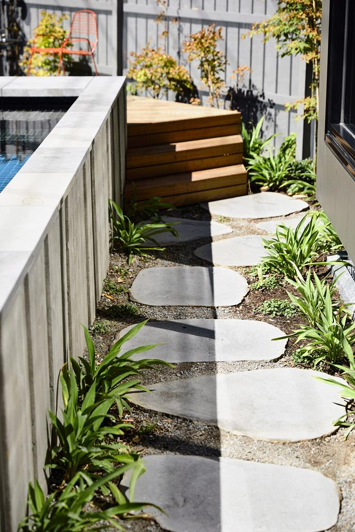 Stepping stones in organic shapes add pattern and texture to your garden design.