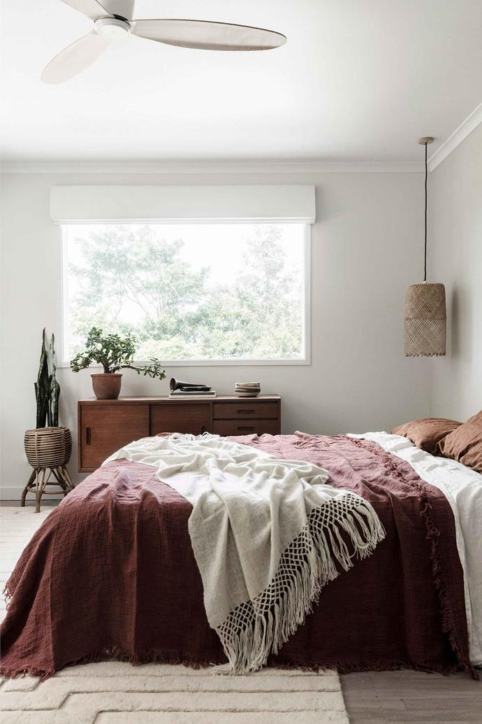 "**LINEN BEDDING** <P> <p>Linen is the big-ticket bedding item everyone wants right now. [Linen bedding](https://www.homestolove.com.au/buyers-guide-to-bed-linen-2562|target=""_blank"") is highly durable, made from natural materials and is breathable. It also looks effortlessly beautiful when draped across a bed. [Caring for linen](https://www.homestolove.com.au/how-to-take-care-of-linen-sheets-3223