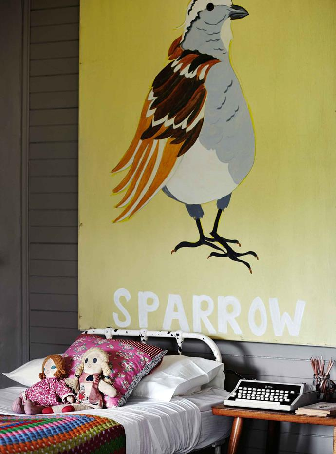 Jane painted the sparrow for Scarlett.