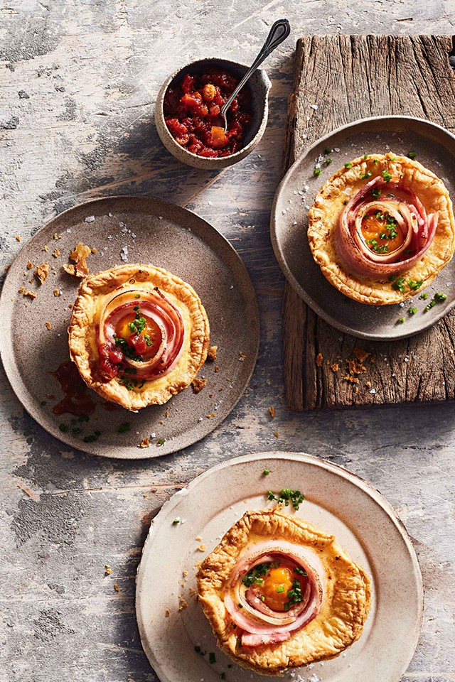 "**[A CLASSIC BACON AND EGG PIE RECIPE](https://www.homestolove.com.au/bacon-egg-pie-10680|target=""_blank"")**<br> <br>When plain old toast or porridge just won't do, these moreish bacon and eggs pies make for a warm and fulfilling breakfast, brunch or even lunch."
