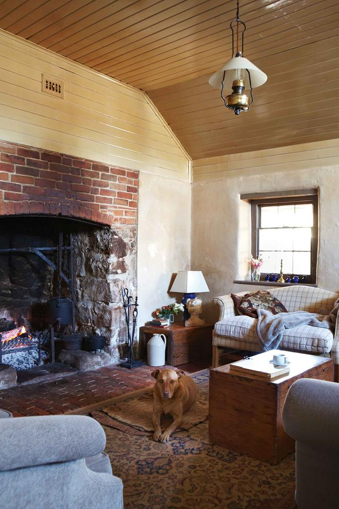 """A large [fireplace](https://www.homestolove.com.au/the-best-energy-efficient-fireplaces-6580