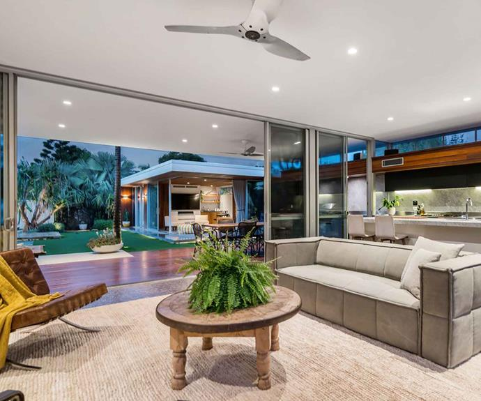 "The mid-century modern home was designed by architect Paul Uhlmann. The self-contained [garden studio](https://www.homestolove.com.au/shelley-craft-byron-bay-garden-studio-19277|target=""_blank"") is visible across the way."