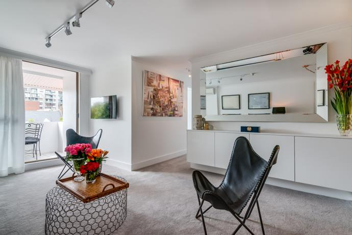 "[Victoria Street, Potts Point](https://edwardsmckiedesign.com.au/portfolio/137-71-victoria-street-potts-point-seen-on-the-aussie-property-flippers-episode-4-season-1-channel-7-australia/|target=""_blank""
