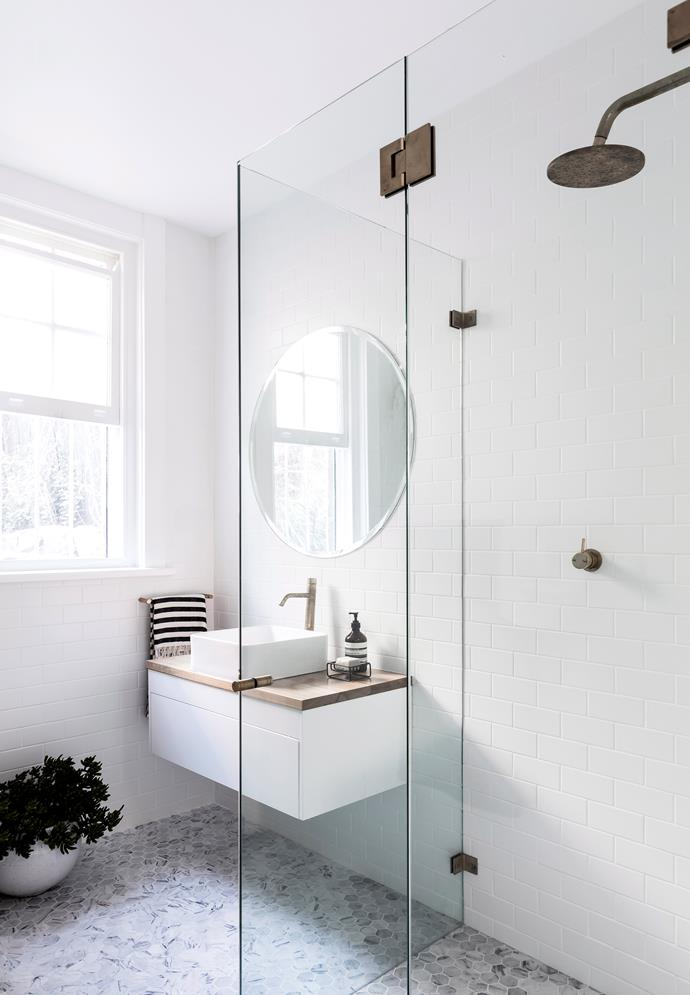 "Deep clean your bathroom regularly to [prevent mould](https://www.homestolove.com.au/how-to-prevent-mould-growth-in-your-home-2953|target=""_blank"") and mildew."