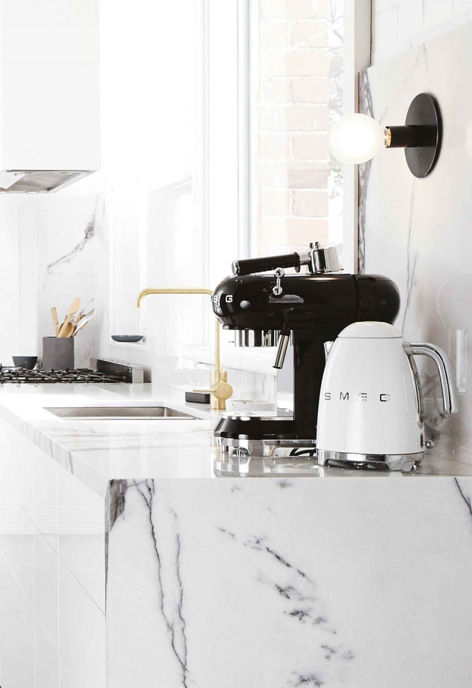 """[Smeg](https://www.thegoodguys.com.au/smeg/small-kitchen-appliances/coffee-machines-and-beverages/coffee-machines