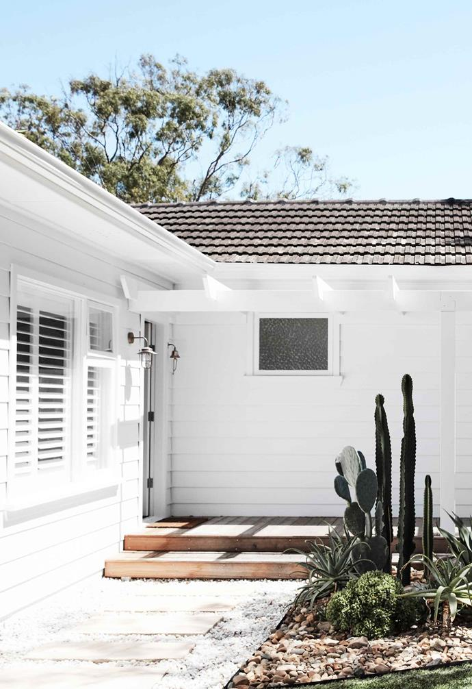 """**Entry** The entire house is painted [Dulux](https://www.dulux.com.au/